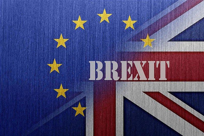 موسسه اعتبارسنجی بینالمللی فیچ: افزایش احتمال خروج بدون توافق انگلستان از اتحادیه اروپا و تاثیر منفی آن بر چشمانداز اقتصادی انگلستان