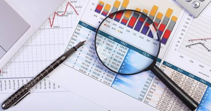 اعتبارسنجي مشتريان حقوقي کوچک و متوسط بانک ها با استفاده از مدل هاي لوجيت و پروبيت