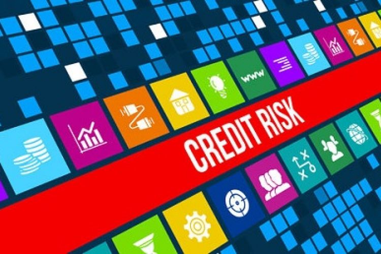 ارزیابی ریسک اعتباری مشتریان بانک ها