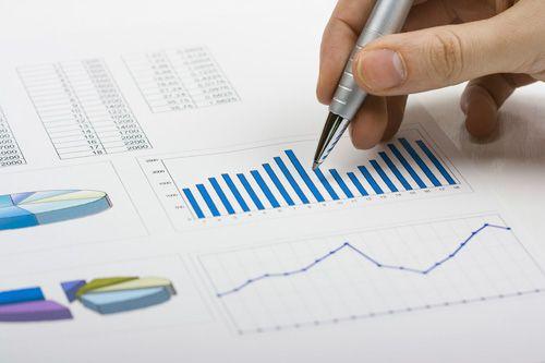مدل پویای ارزشیابی سهام بانکها؛ مورد مطالعه: بانکهای ملت، تجارت، اقتصاد نوین و کارآفرین