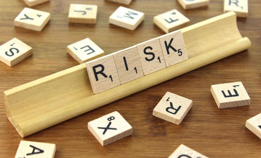 بررسی عوامل موثر بر حجم سپرده ها با تاکید بر ریسک اعتباری و ریسک بازار در ایران